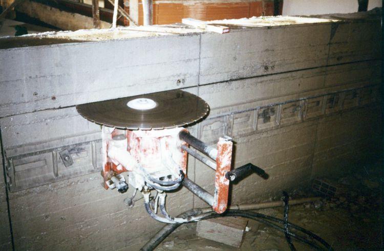 Preventivo Muro Cemento Armato.Taglio Per Porta Su Muro In Cemento Armato Di Un Garage A Monza E